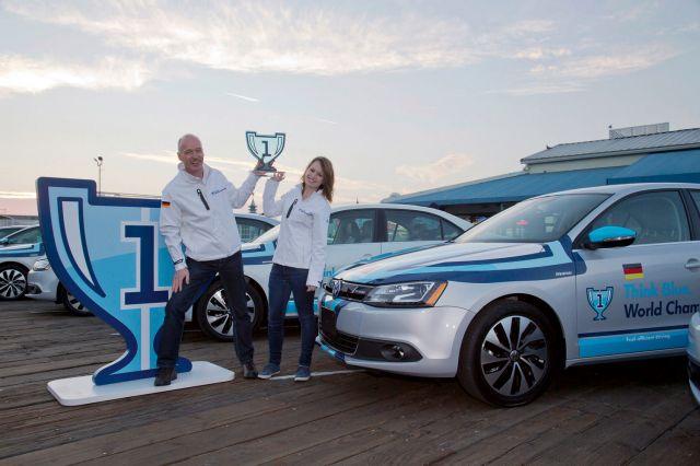 2013 Volkswagen Jetta Hybrid Picture 4