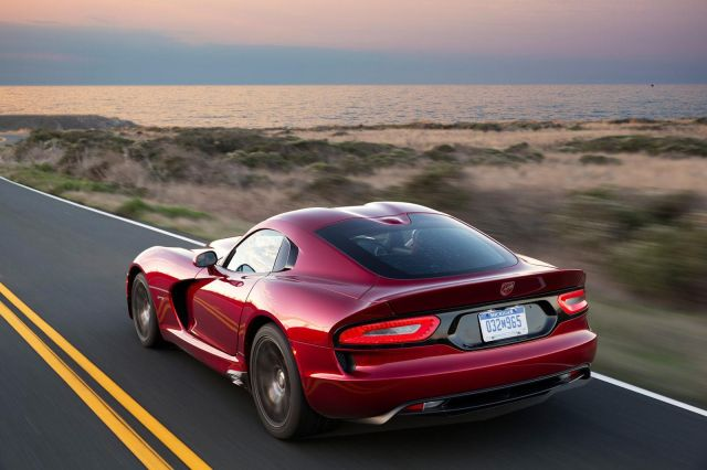 2013 Dodge Viper SRT Picture 2