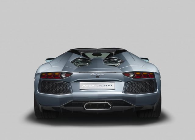 2013 Lamborghini Aventador LP 700-4 Roadster Picture 6