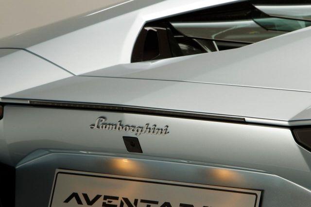 2013 Lamborghini Aventador LP 700-4 Roadster Picture 8