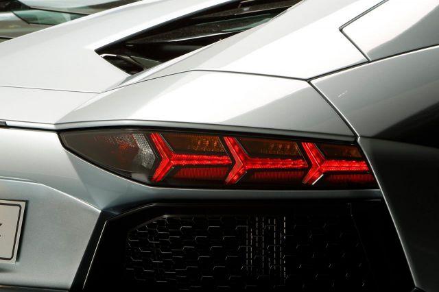 2013 Lamborghini Aventador LP 700-4 Roadster Picture 9