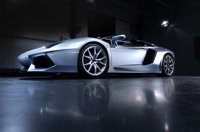 2013 Lamborghini Aventador LP 700-4 Roadster Picture 27