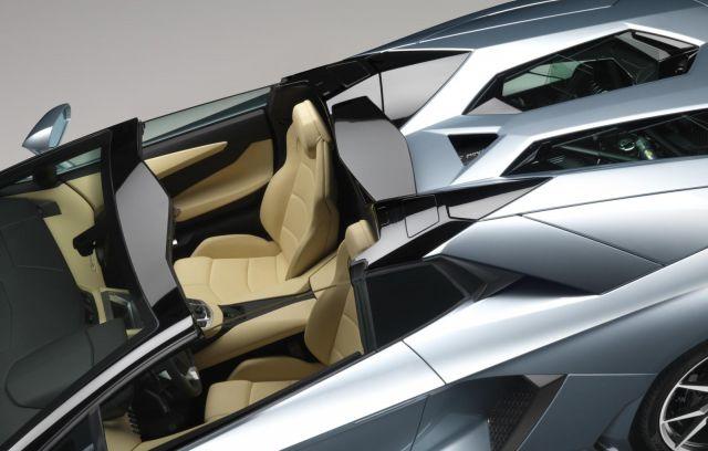 2013 Lamborghini Aventador LP 700-4 Roadster Picture 30
