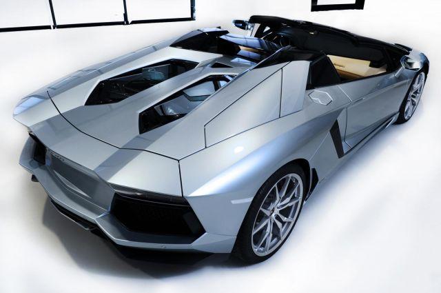 2013 Lamborghini Aventador LP 700-4 Roadster Picture 31