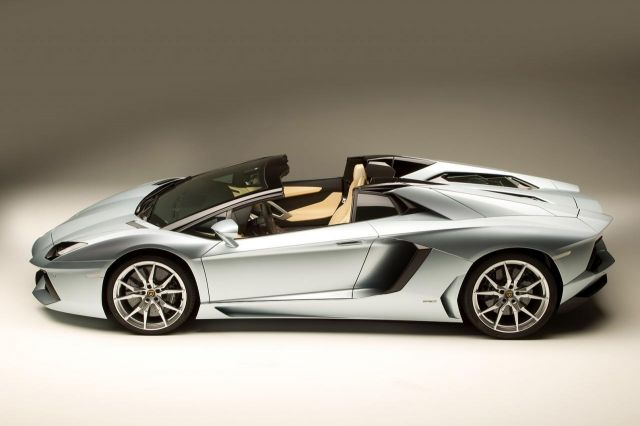 2013 Lamborghini Aventador LP 700-4 Roadster Picture 33