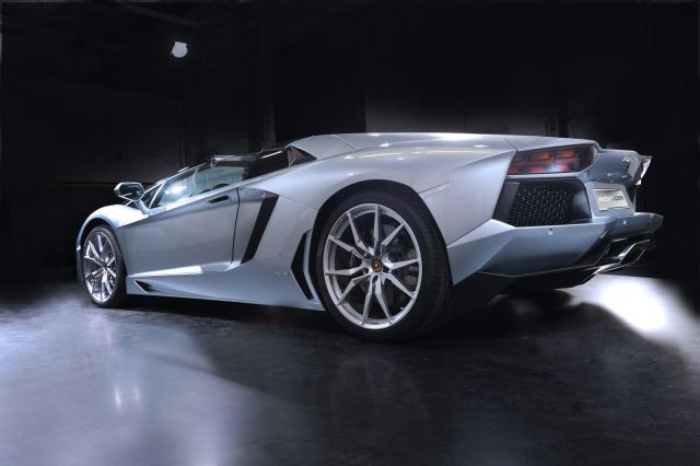 2013 Lamborghini Aventador LP 700-4 Roadster Picture 38