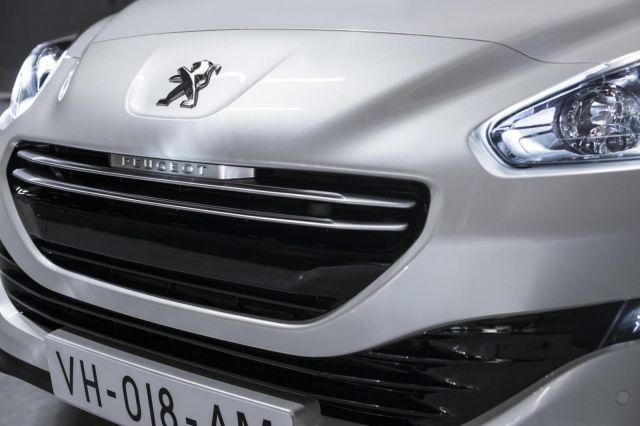 2013 Peugeot RCZ Picture 17
