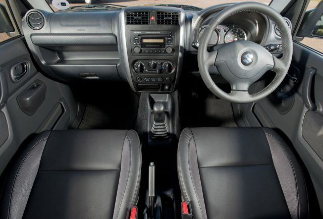 2013 Suzuki Jimny Picture 3