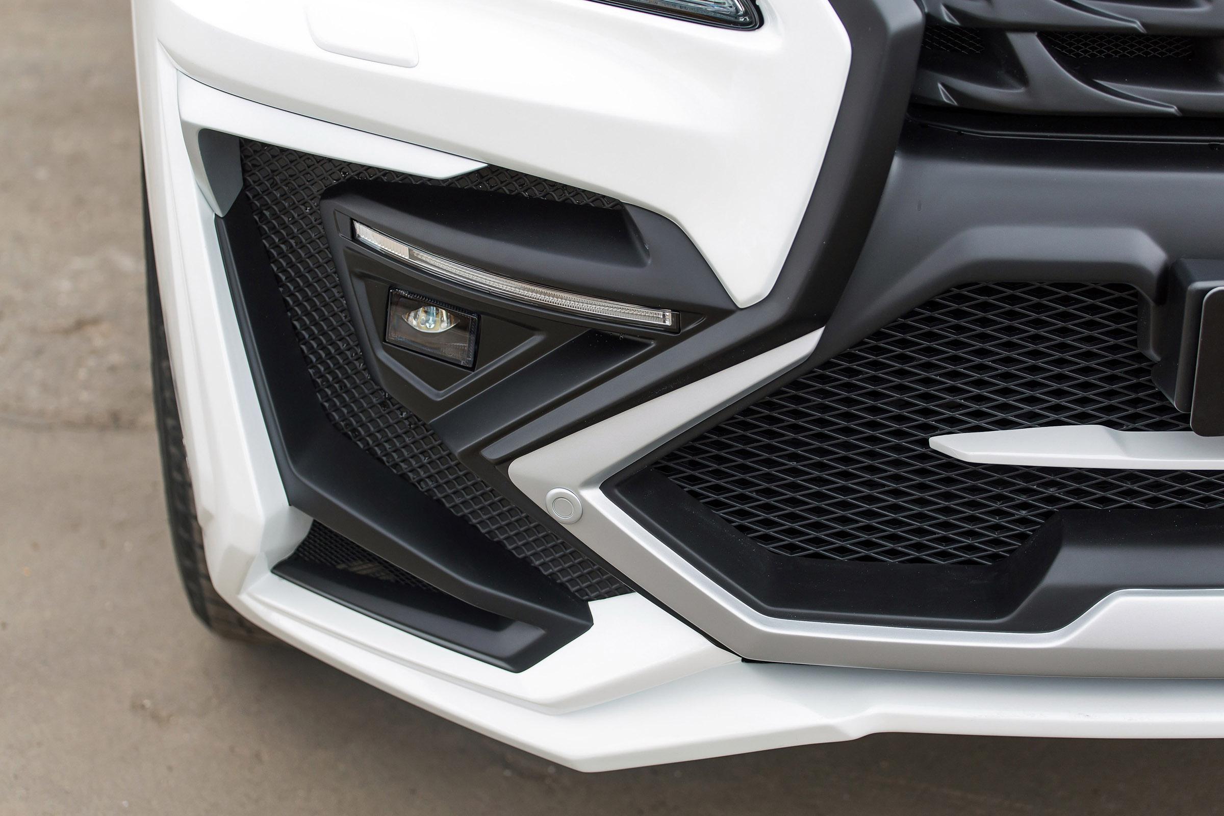 2015 Larte Lexus LX 570 White Alligator