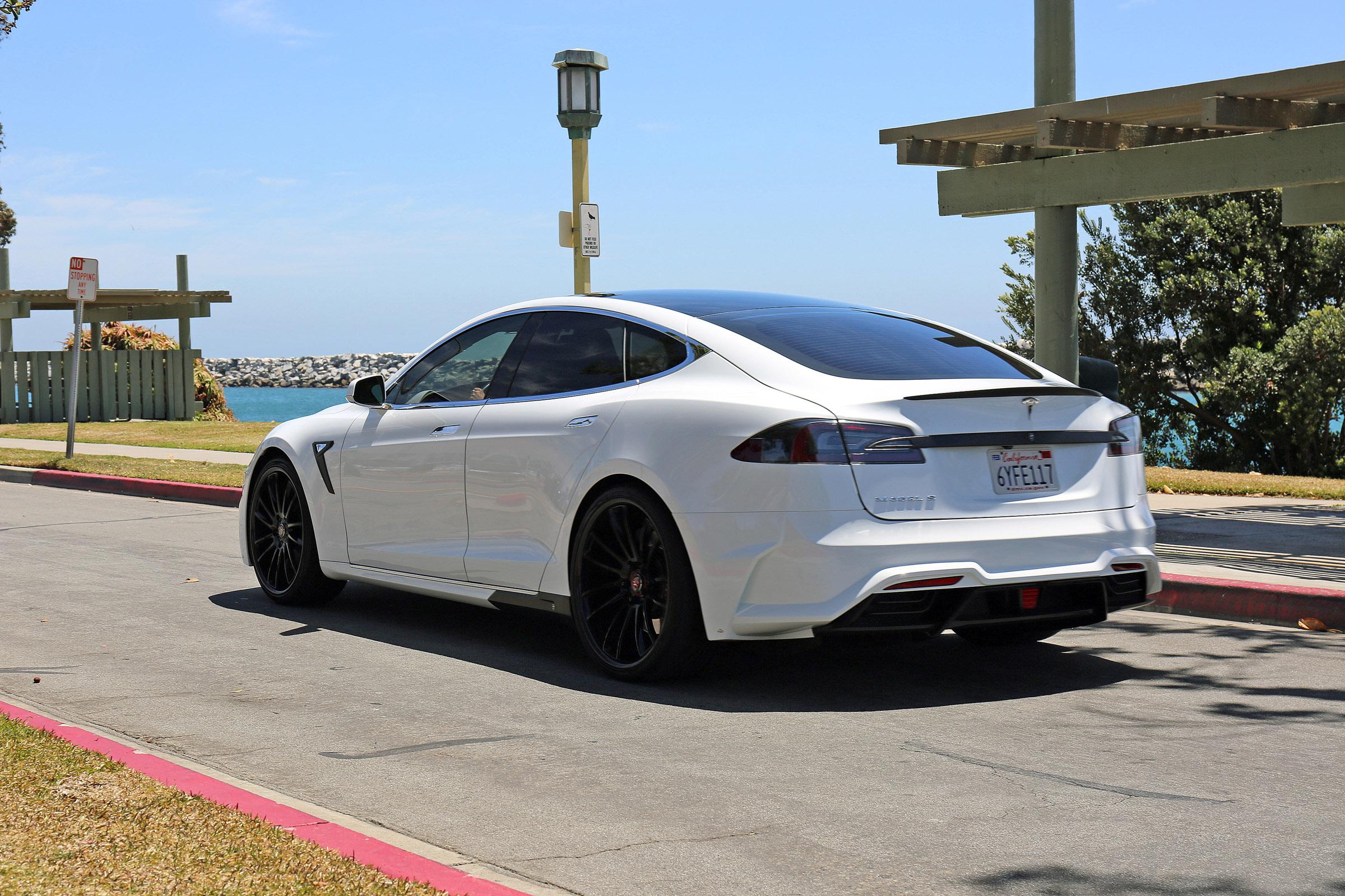 2015 Larte Tesla S Elizabeta