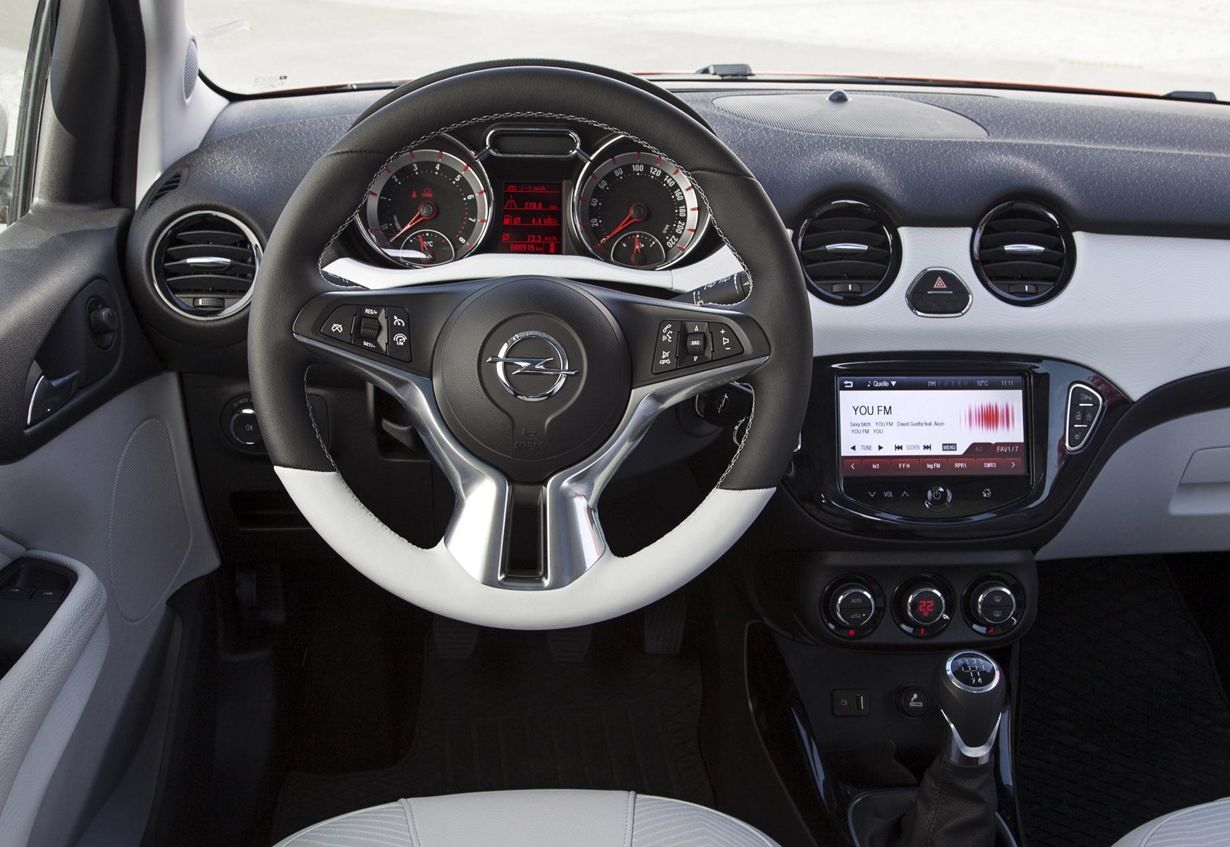 Opel Adam Rocks 2015