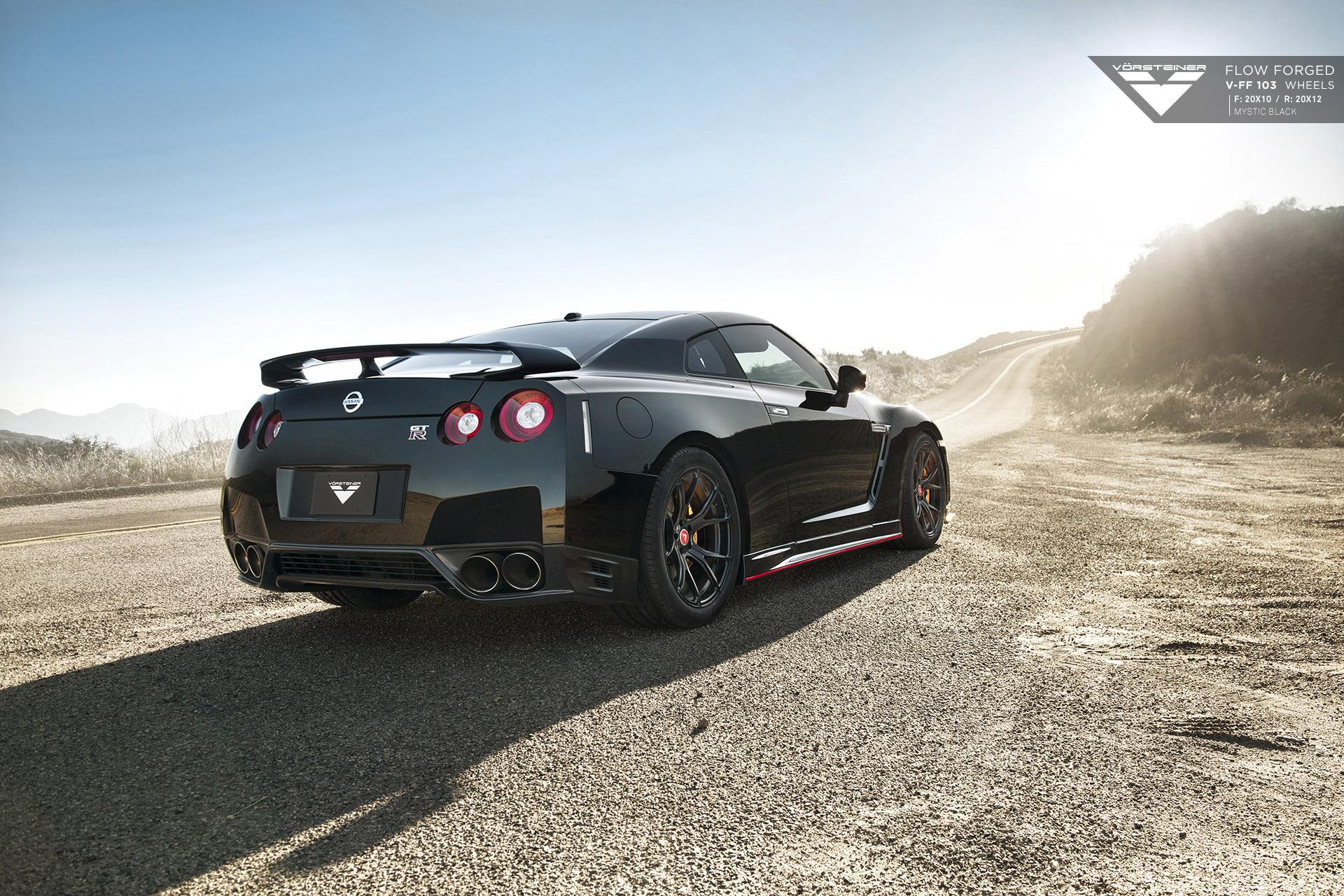 2015 Vorsteiner Nissan GT-R