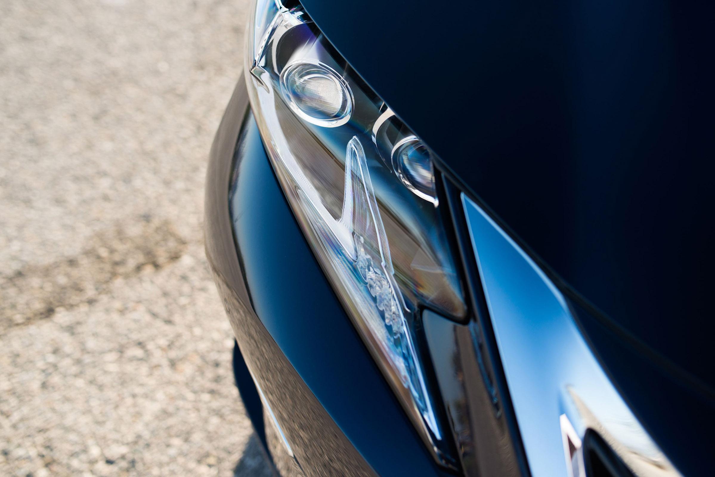 2016 Lexus ES300h