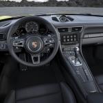 2016-porsche-911-turbo-s-09