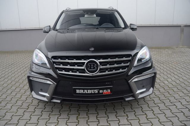 2012 BRABUS Mercedes ML 63 AMG Picture 3