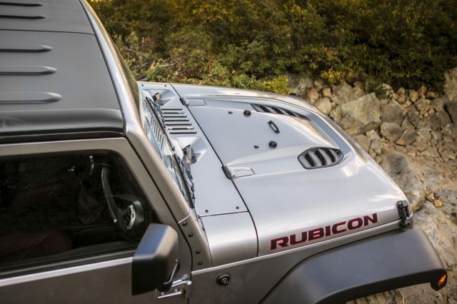 Jeep Wrangler Rubicon 10th Anniversary Edition Picture 17