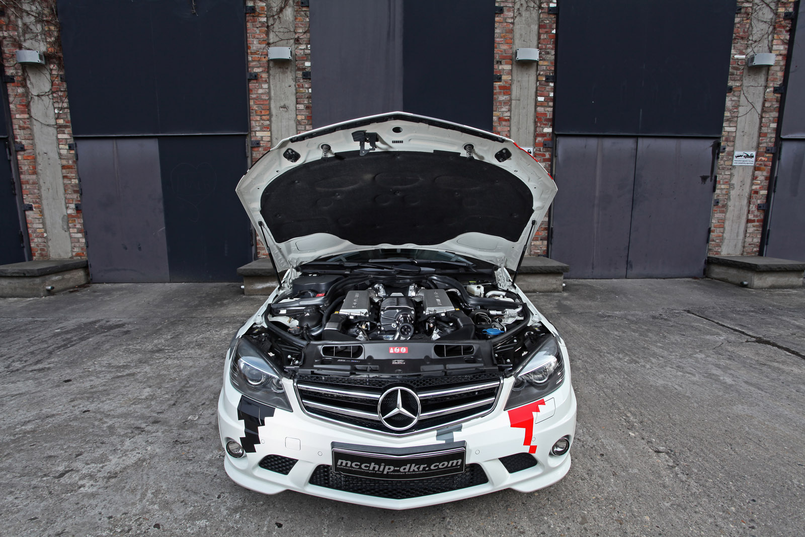 mcchip-dkr Mercedes-Benz C63 AMG