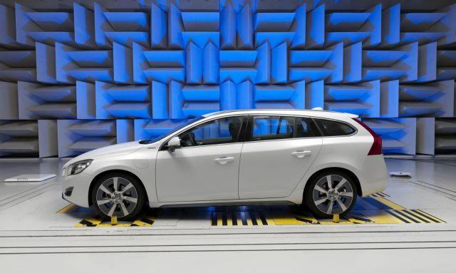 Volvo V60 Plug-In Hybrid Picture 2