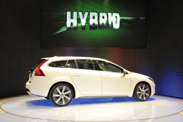 Volvo V60 Plug-In Hybrid Picture 4