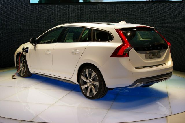 Volvo V60 Plug-In Hybrid Picture 6