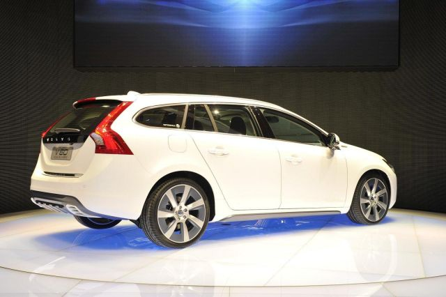 Volvo V60 Plug-In Hybrid Picture 8