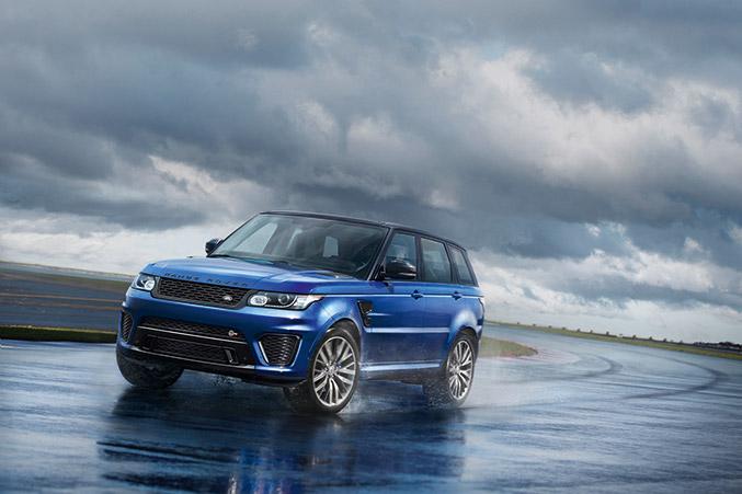 2015 Range Rover Sport SVR Front Angle