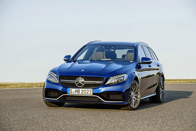 2015 Mercedes-Benz C63 AMG Front Angle