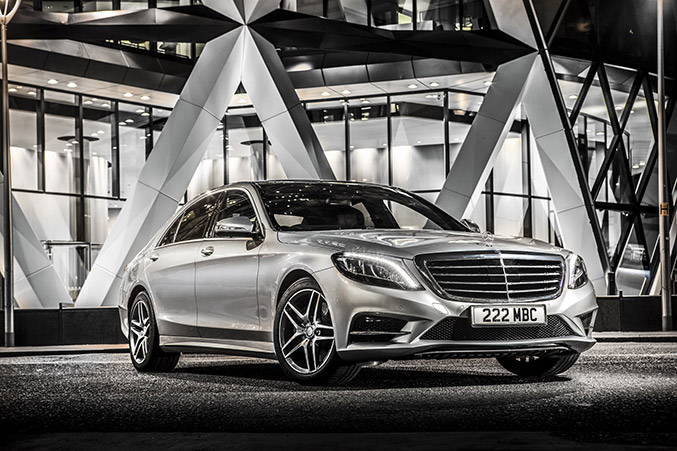 2015 Mercedes-Benz S 500 Plug-In Hybrid Front Angle