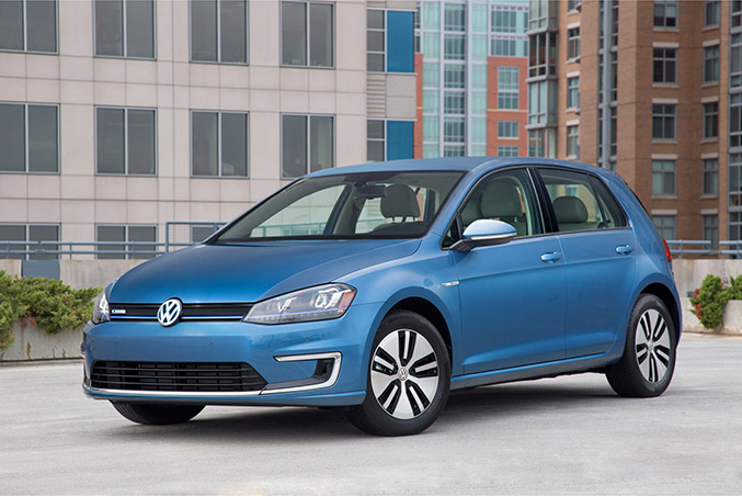 2015 Volkswagen e-Golf Front Angle