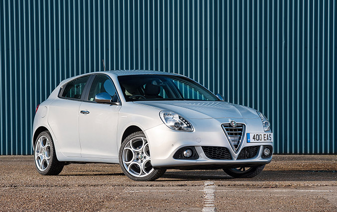 2015 Alfa Romeo Giulietta Business Edition Front Angle