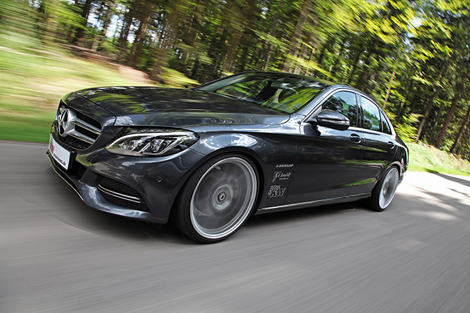 2014 KW Mercedes-Benz C-Class Front Angle