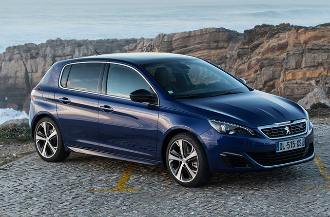 2015 Peugeot 308 GT Front Angle
