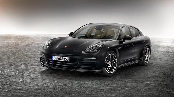 2015 Porsche Panamera Edition Front Angle