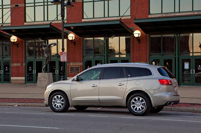 2016 Buick Enclave Side