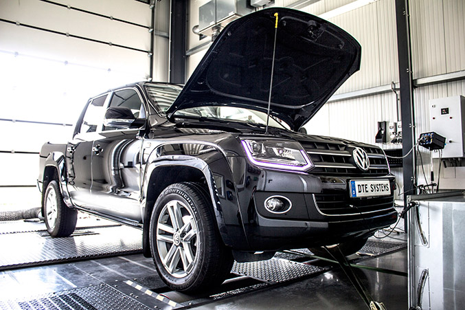 2015 DTE-Systems Volkswagen Amarok Front Angle