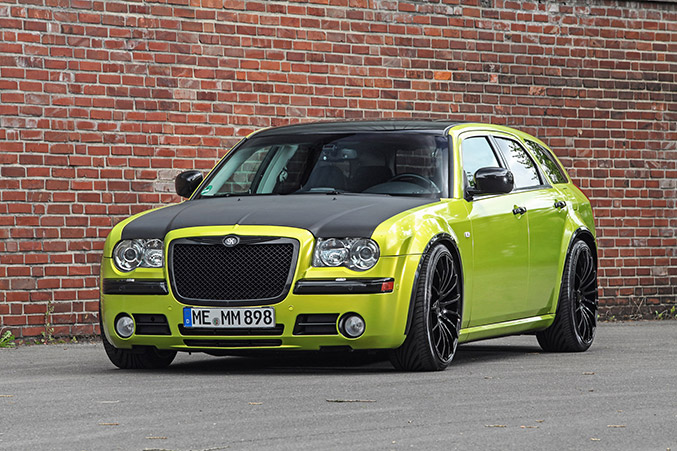 2015 HplusB Chrysler 300C CRD Touring Front Angle