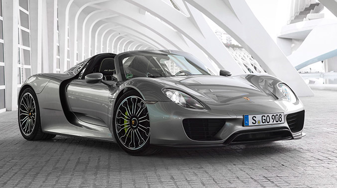 2015 Porsche 918 Spyder Front Angle