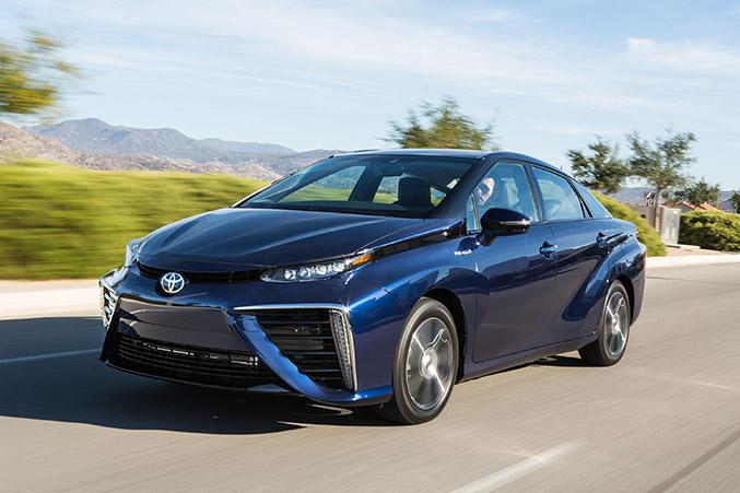 2016 Toyota Mirai Fuel Cell Sedan Front Angle