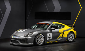 thumbnail New Porsche Cayman GT4 Clubsport for the Racetrack