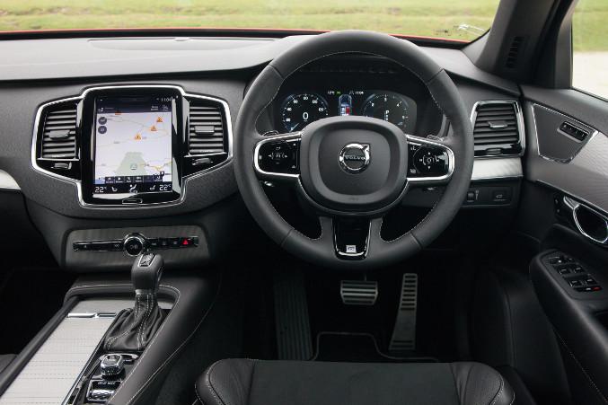 2015 Volvo XC-90 R-Design Interior