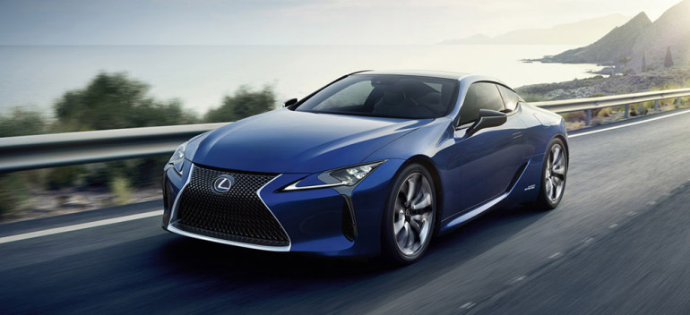 2016 Lexus LC 500h Front Angle