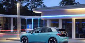"""thumbnail Volkswagen strives for digital leadership – the ID. Family will be launched with regular """"Over-the-Air"""" updates in 2021"""