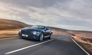 thumbnail Continental GT Speed Convertible breaks cover for spring