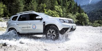 thumbnail Dacia Duster provides valuable mountain rescue support