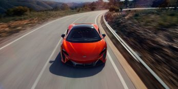 thumbnail McLaren Artura makes its Italian debut at the first edition of the Milano Monza open-air motor show