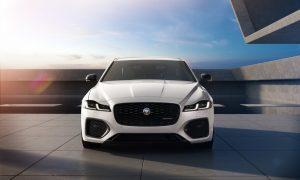 thumbnail Jaguar XF and XE R-Dynamic Black: Enhanced design and connectivity